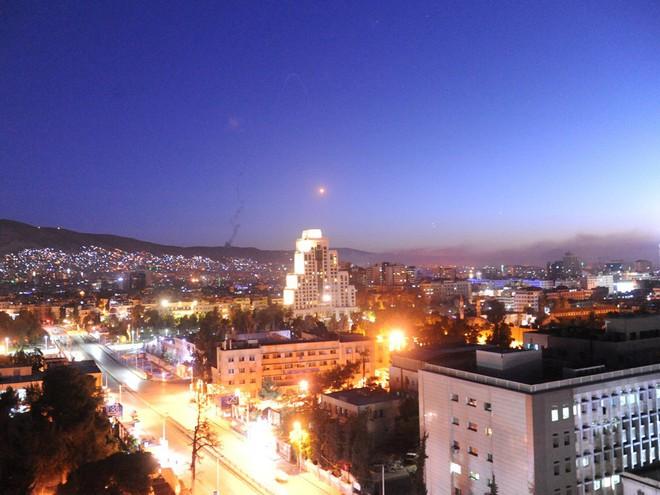 Nếu cuộc tấn công Syria là sao băng quét qua bầu trời Damascus, ai sẽ cười đến cuối cùng? - Ảnh 2.