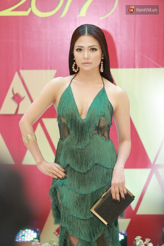 Cập nhật: Trương Ngọc Ánh diện váy xẻ sâu cùng dàn sao Việt đổ bộ thảm đỏ Cánh diều vàng 2018 - Ảnh 3.