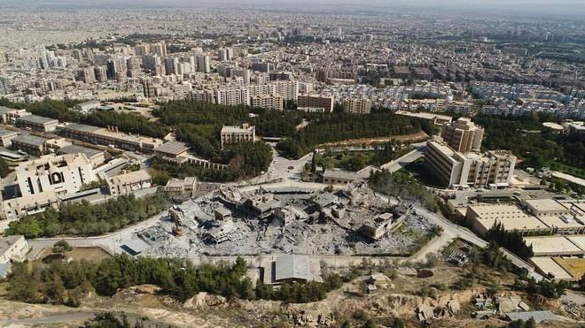 Tặng 76 tên lửa cho 1 mục tiêu: Mỹ thừa đạn hay che giấu việc Tomahawk bị Syria bắn hạ? - Ảnh 2.