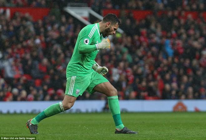 Copy công thức chiến thắng không thành, Man United sụp hầm trước đội bét bảng - Ảnh 16.