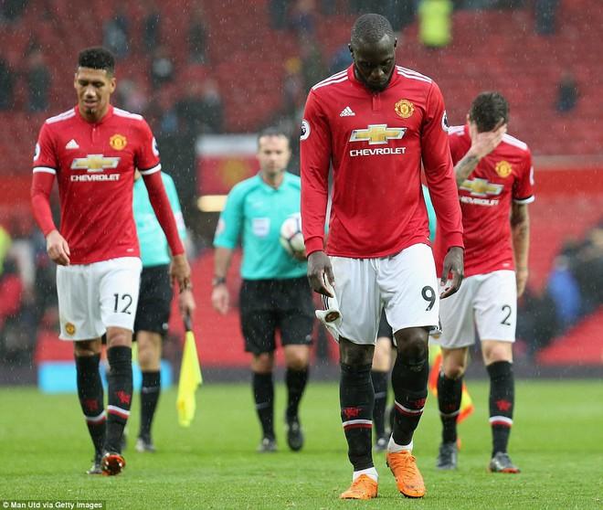 Copy công thức chiến thắng không thành, Man United sụp hầm trước đội bét bảng - Ảnh 27.