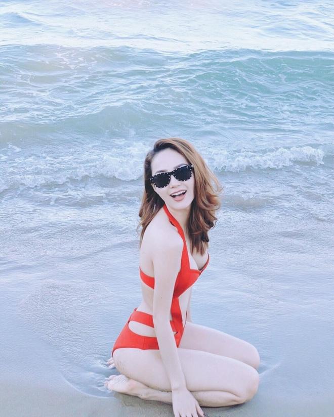 Sau ồn ào thẩm mỹ hỏng, Minh Hằng mặc bikini nóng bỏng - Ảnh 2.