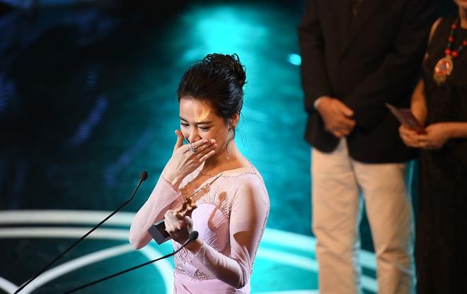 Lễ trao giải Cánh diều: Nhã Phương khóc giữa sân khấu - Ảnh 4.