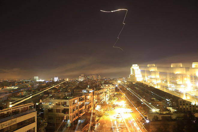 Mỹ, Anh, Pháp được gì, mất gì sau khi không kích Syria? - Ảnh 1.