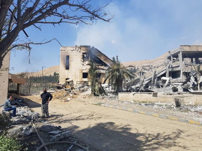 Mỹ, Anh, Pháp được gì, mất gì sau khi không kích Syria? - Ảnh 2.