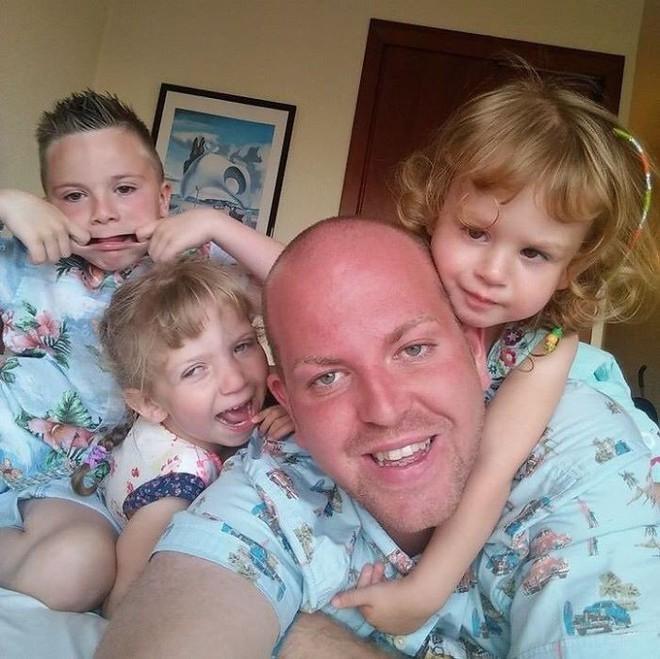 Người cha đồng tính nhận nuôi 4 con khuyết tật suốt 10 năm: Họ hỏi rằng con tôi cũng sẽ bê đê à hay tôi làm thế chỉ vì tiền? - Ảnh 3.