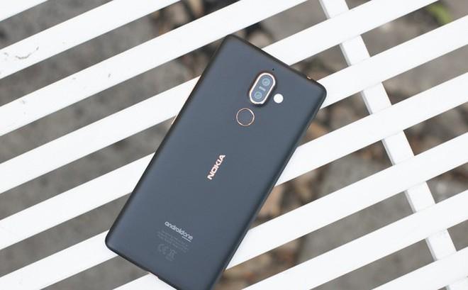 Trên tay Nokia 7 Plus tại VN: Snapdragon 660, Android One mượt mà, camera kép Zeiss, giá khoảng 9-10 triệu đồng
