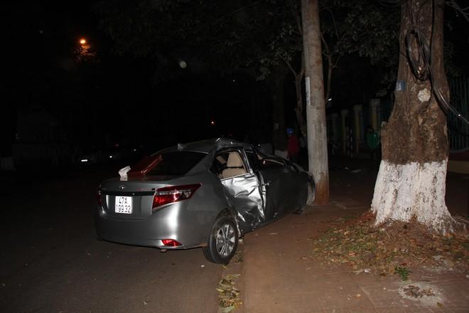 Ô tô mất lái, lấn làn gây tai nạn khiến em bé 5 tuổi tử vong thương tâm - Ảnh 3.