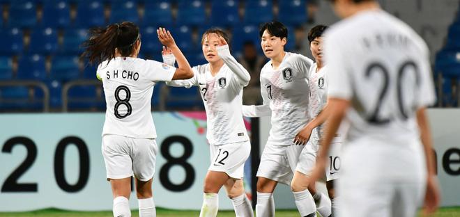 """Dính trọn 5 cú đòn, """"hàng xóm"""" của Việt Nam tan vỡ giấc mơ World Cup - Ảnh 2."""