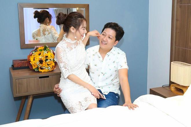 Năm ngoái Trường Giang còn hạnh phúc đón sinh nhật với Nhã Phương ở Phú Quốc, vậy mà năm nay mọi thứ đã thay đổi? - Ảnh 4.