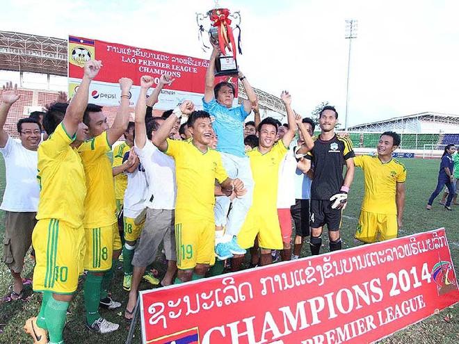 Các ông bầu Việt đầu tư cho bóng đá ngoại - Ảnh 1.