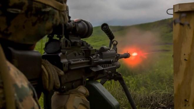 Ảnh: Thủy quân lục chiến Mỹ huấn luyện sử dụng thành thạo súng đạn - ảnh 7