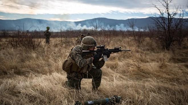Ảnh: Thủy quân lục chiến Mỹ huấn luyện sử dụng thành thạo súng đạn - ảnh 8