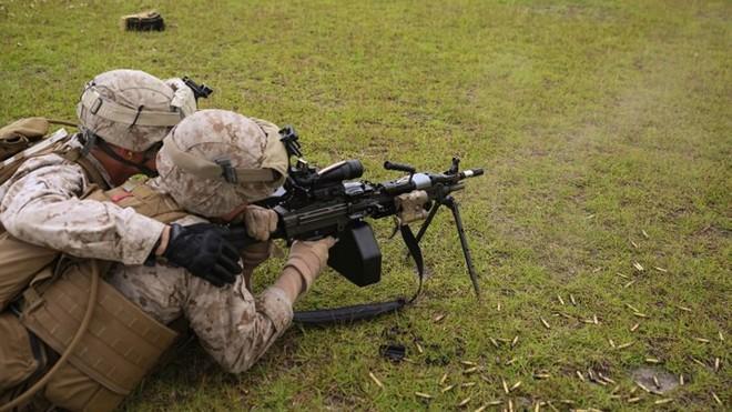 Ảnh: Thủy quân lục chiến Mỹ huấn luyện sử dụng thành thạo súng đạn - ảnh 11