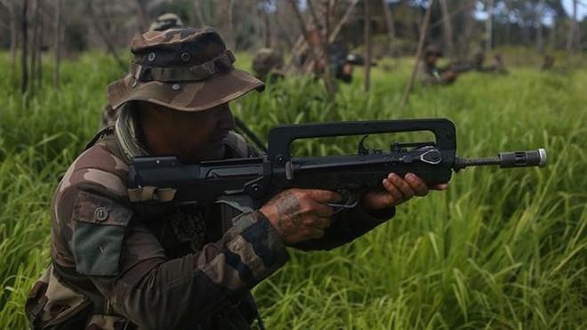 Ảnh: Thủy quân lục chiến Mỹ huấn luyện sử dụng thành thạo súng đạn - ảnh 13