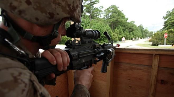 Ảnh: Thủy quân lục chiến Mỹ huấn luyện sử dụng thành thạo súng đạn - ảnh 14