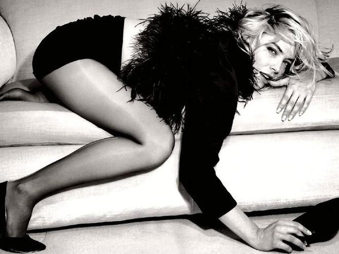 Nhan sắc thanh xuân rực lửa của mỹ nhân Bản năng gốc Sharon Stone - Ảnh 4.