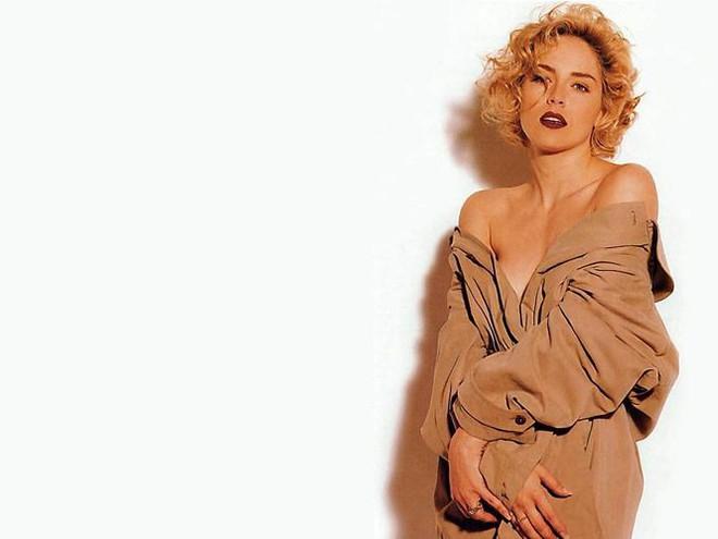 Nhan sắc thanh xuân rực lửa của mỹ nhân Bản năng gốc Sharon Stone - Ảnh 10.
