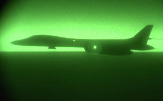 Hai vũ khí mới tinh của Mỹ lần đầu lâm trận ở Syria: Màn phô diễn không thể hoàn hảo hơn?