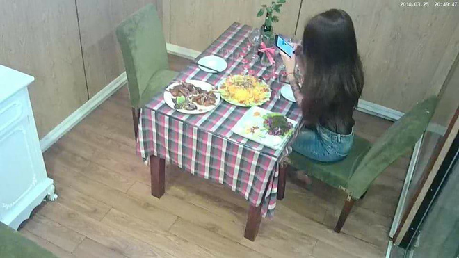 Cô gái bị bỏ bom ở nhà hàng và hành động hiếm có của quản lý cùng nhân viên - Ảnh 1.
