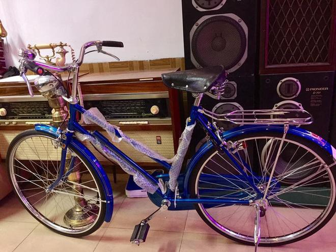 Hoài niệm cả bầu trời tuổi thơ với xe đạp Phượng hoàng giá 3,3 triệu đồng - Ảnh 1.