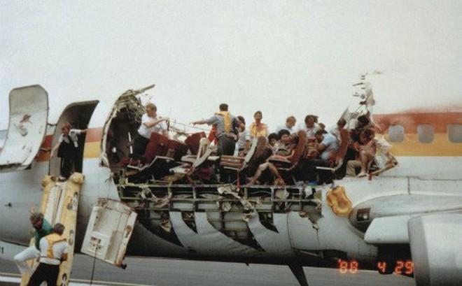 Những vụ tai nạn hy hữu khi hành khách bị hút khỏi máy bay ở độ cao hàng nghìn mét