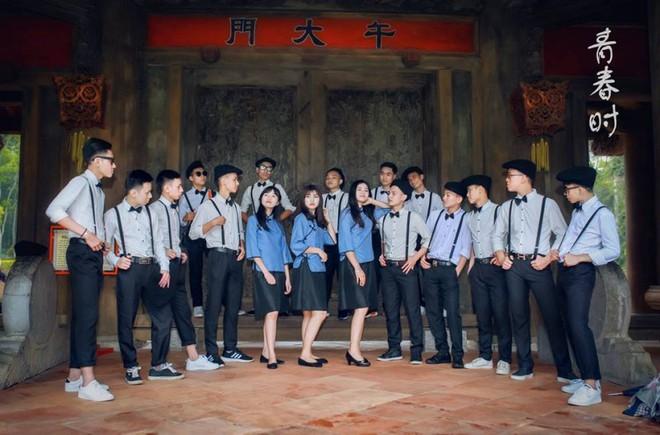 """Thêm một bộ ảnh kỷ yếu """"độc nhất vô nhị"""" mang phong cách Thượng Hải đang gây sốt"""