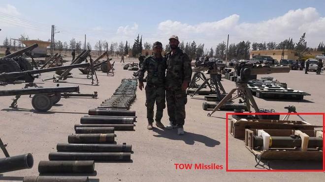 Cận cảnh số vũ khí QĐ Syria thu giữ của phiến quân ở Qalamun: Có tên lửa Mỹ, Trung Quốc - Ảnh 2.