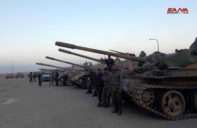 Cận cảnh số vũ khí QĐ Syria thu giữ của phiến quân ở Qalamun: Có tên lửa Mỹ, Trung Quốc - Ảnh 4.
