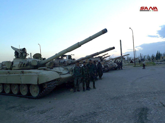 Cận cảnh số vũ khí QĐ Syria thu giữ của phiến quân ở Qalamun: Có tên lửa Mỹ, Trung Quốc - Ảnh 9.