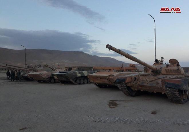 Cận cảnh số vũ khí QĐ Syria thu giữ của phiến quân ở Qalamun: Có tên lửa Mỹ, Trung Quốc - Ảnh 10.