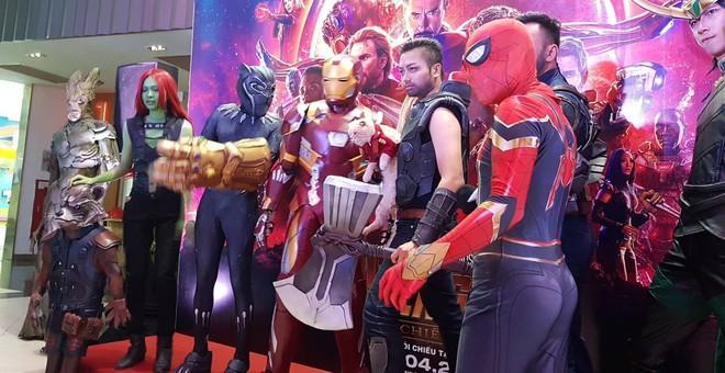Khách mời đặc biệt gây sốt hơn cả sao Việt tại họp báo phim bom tấn Avengers - Ảnh 4.