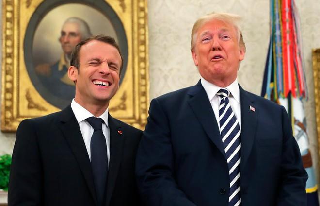 Phản ứng hóa học cực kỳ thú vị giữa 2 TT Trump-Macron: Vỗ đùi, dắt tay đi dọc Nhà Trắng - Ảnh 12.