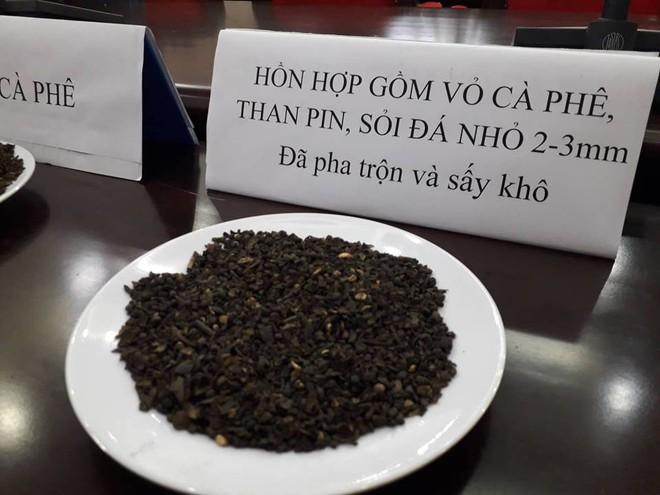 Công an Đắk Nông: Phế phẩm cà phê nhuộm pin con Ó được bán với giá 9.000 đồng/kg - Ảnh 7.
