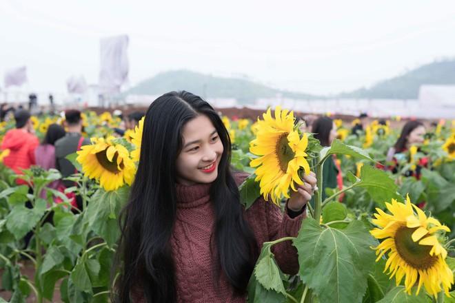 Hot girl bán bánh ướt ở Nghệ An khiến dân mạng rần rần truy tìm: Hóa ra là người quen! - Ảnh 2.