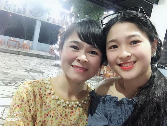 Hot girl bán bánh ướt ở Nghệ An khiến dân mạng rần rần truy tìm: Hóa ra là người quen! - Ảnh 9.
