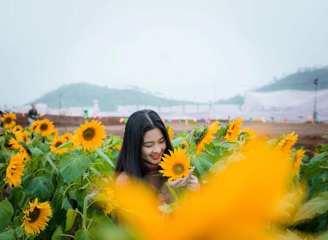 Hot girl bán bánh ướt ở Nghệ An khiến dân mạng rần rần truy tìm: Hóa ra là người quen! - Ảnh 4.