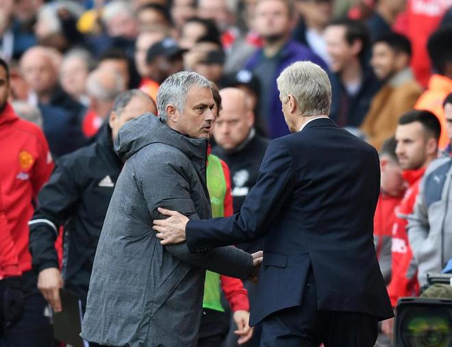 Trước đại chiến Man United, HLV Wenger bất ngờ gửi lời khẩn cầu đến Mourinho - Ảnh 2.