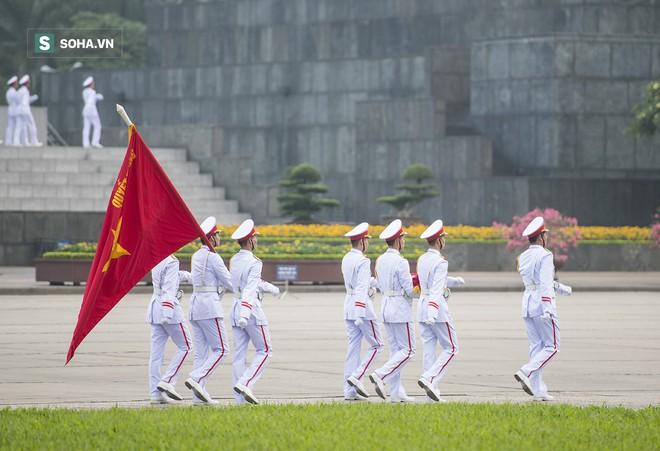 Xúc động lễ thượng cờ tại Quảng trường Ba Đình nhân ngày 30/4 10