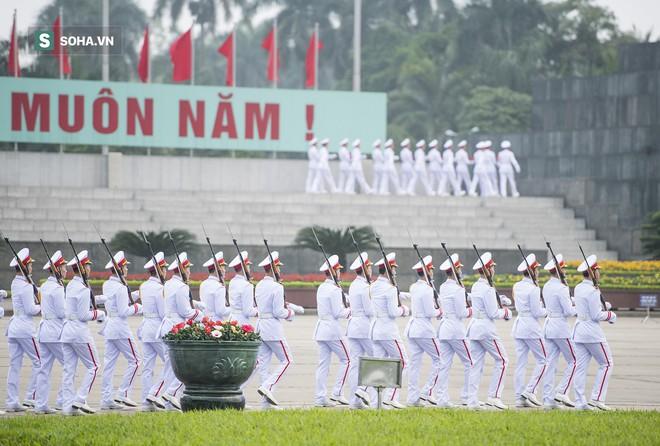 Xúc động lễ thượng cờ tại Quảng trường Ba Đình nhân ngày 30/4 9