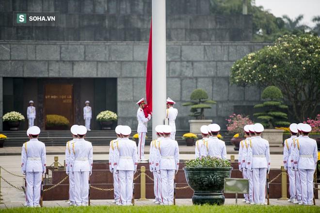 Xúc động lễ thượng cờ tại Quảng trường Ba Đình nhân ngày 30/4 13