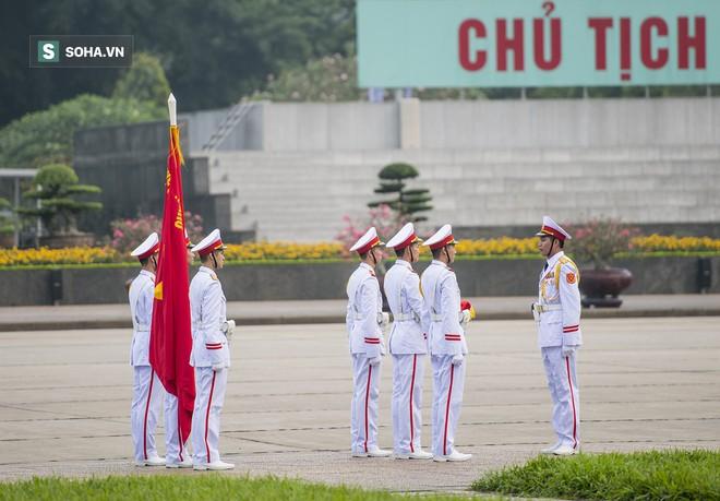 Xúc động lễ thượng cờ tại Quảng trường Ba Đình nhân ngày 30/4 21