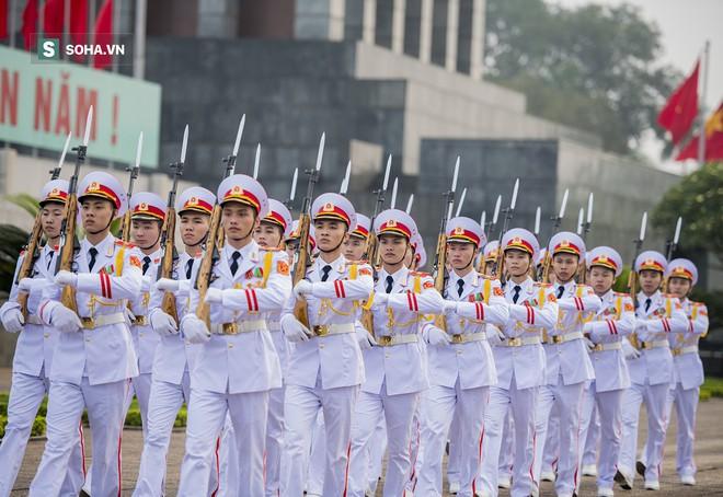 Xúc động lễ thượng cờ tại Quảng trường Ba Đình nhân ngày 30/4 25
