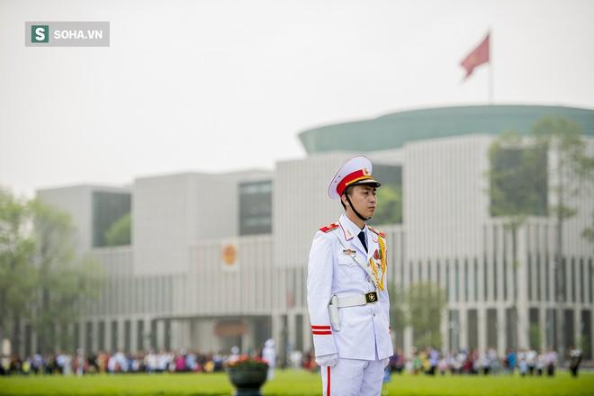 Xúc động lễ thượng cờ tại Quảng trường Ba Đình nhân ngày 30/4 27