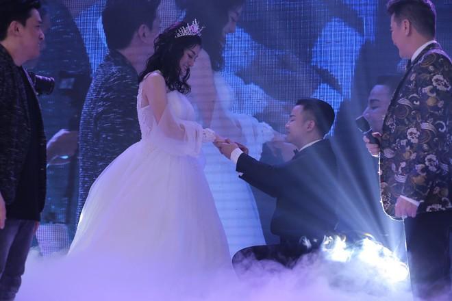 Hữu Công tiết lộ chi 2 tỷ cho đám cưới khủng, rộng 700m2, mời 1000 khách cùng sao hạng A về làng - Ảnh 16.