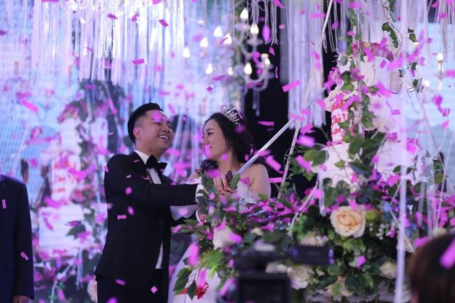 Hữu Công tiết lộ chi 2 tỷ cho đám cưới khủng, rộng 700m2, mời 1000 khách cùng sao hạng A về làng - Ảnh 17.