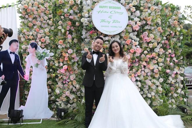 Hữu Công tiết lộ chi 2 tỷ cho đám cưới khủng, rộng 700m2, mời 1000 khách cùng sao hạng A về làng - Ảnh 19.