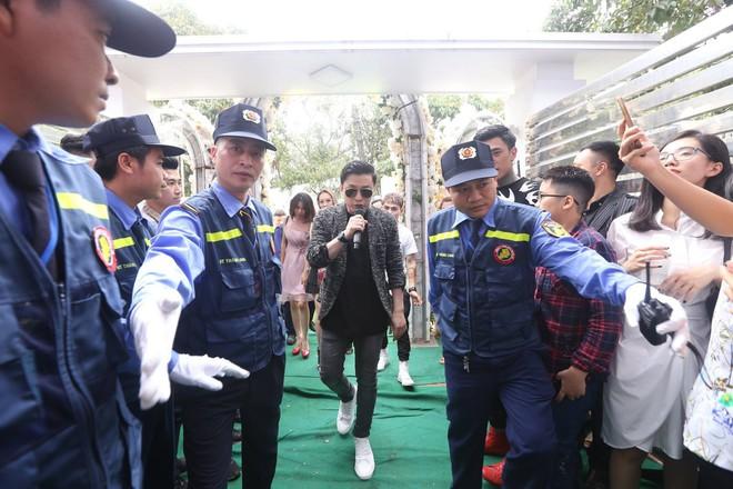 Hữu Công tiết lộ chi 2 tỷ cho đám cưới khủng, rộng 700m2, mời 1000 khách cùng sao hạng A về làng - Ảnh 8.
