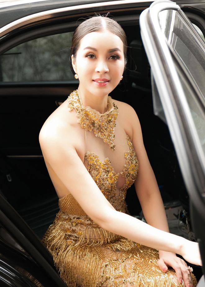 Mỹ nhân Vbiz U40, 50 thả dáng sexy với bikini: Nhìn Hoa hậu Hà Kiều Anh đã sốc, đến MC Kỳ Duyên mới khó tin! - Ảnh 8.