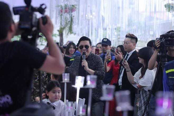 Hữu Công tiết lộ chi 2 tỷ cho đám cưới khủng, rộng 700m2, mời 1000 khách cùng sao hạng A về làng - Ảnh 9.